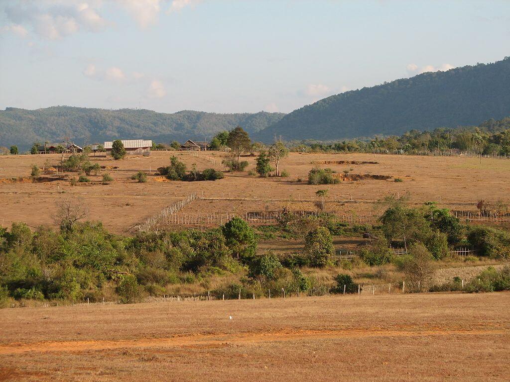 Laos, la crater valley