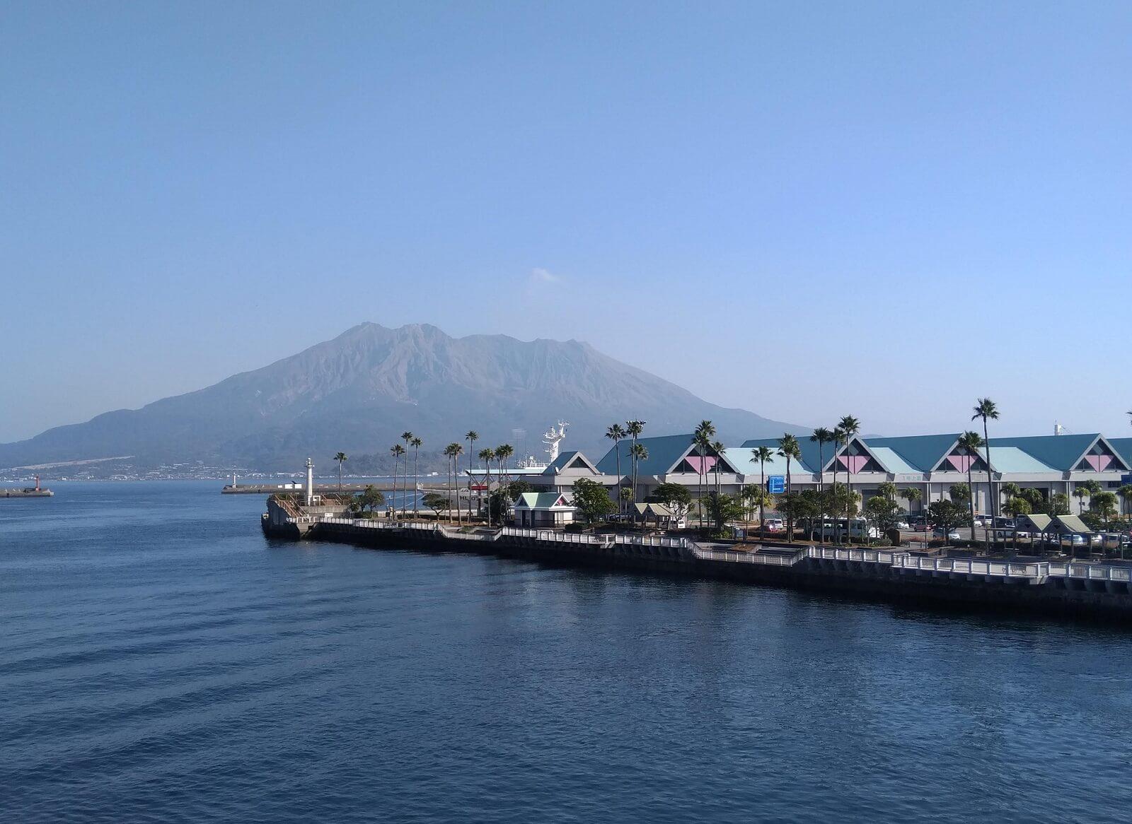 Il porto di Kagoshima, da cui partono i traghetti per Sakurajima