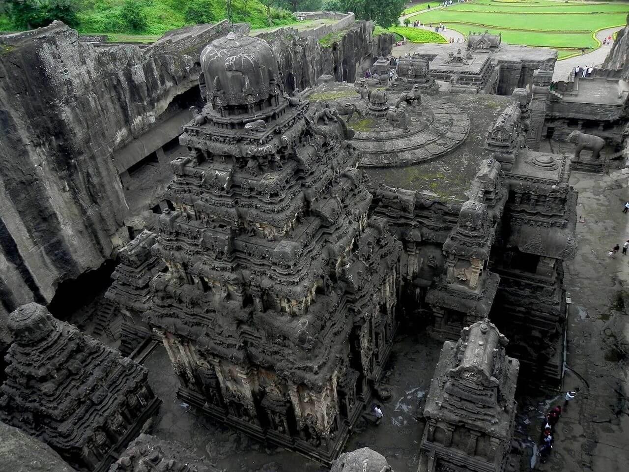 Shikhara del tempio di Kailasa