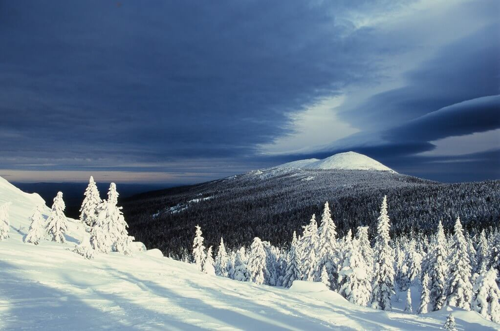 Monti Urali, paesaggio innevato