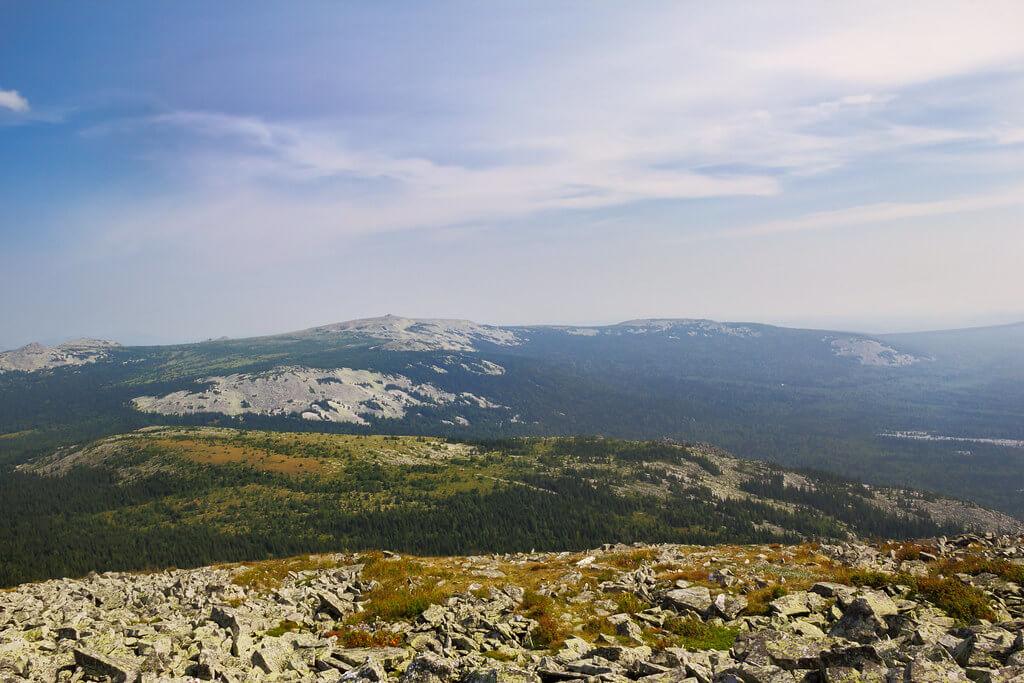 Le tipiche forme arrotondate degli Urali, sottoposti a centinaia di milioni di anni di erosione