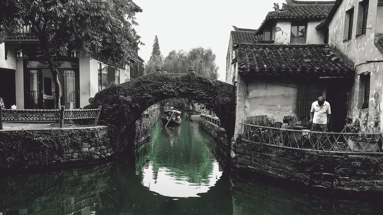 Una gondola nei canali di Suzhou