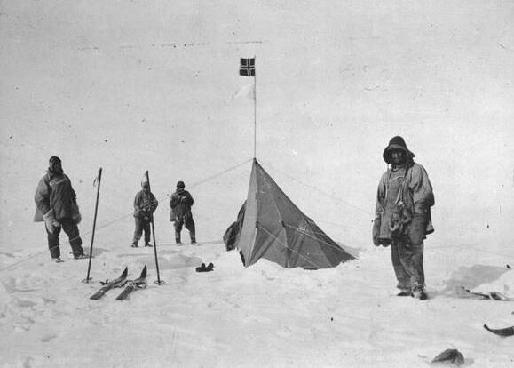 La spedizione di Scott al polo sud nel gennaio 1912. Da sinistra Scott, Bowers, Wilson and P.O. Evans