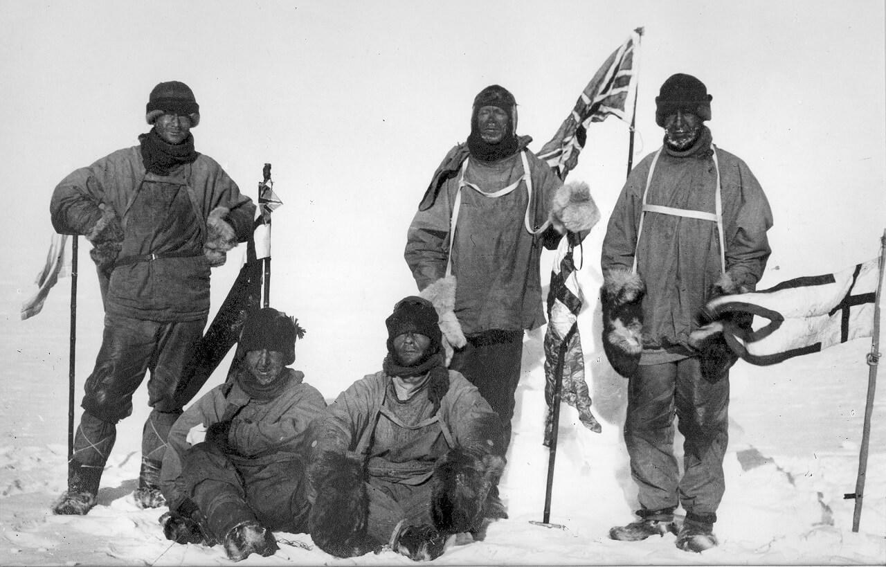 Il gruppo dell'ultima spedizione di Scott al Polo Sud. Da sinistra a destra: Oates, Bowers, Evans, Scott e Wilson