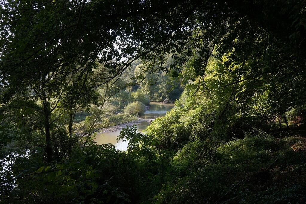 Paesaggio della valle del Fiora nei pressi dell'eremo di Poggio Conte