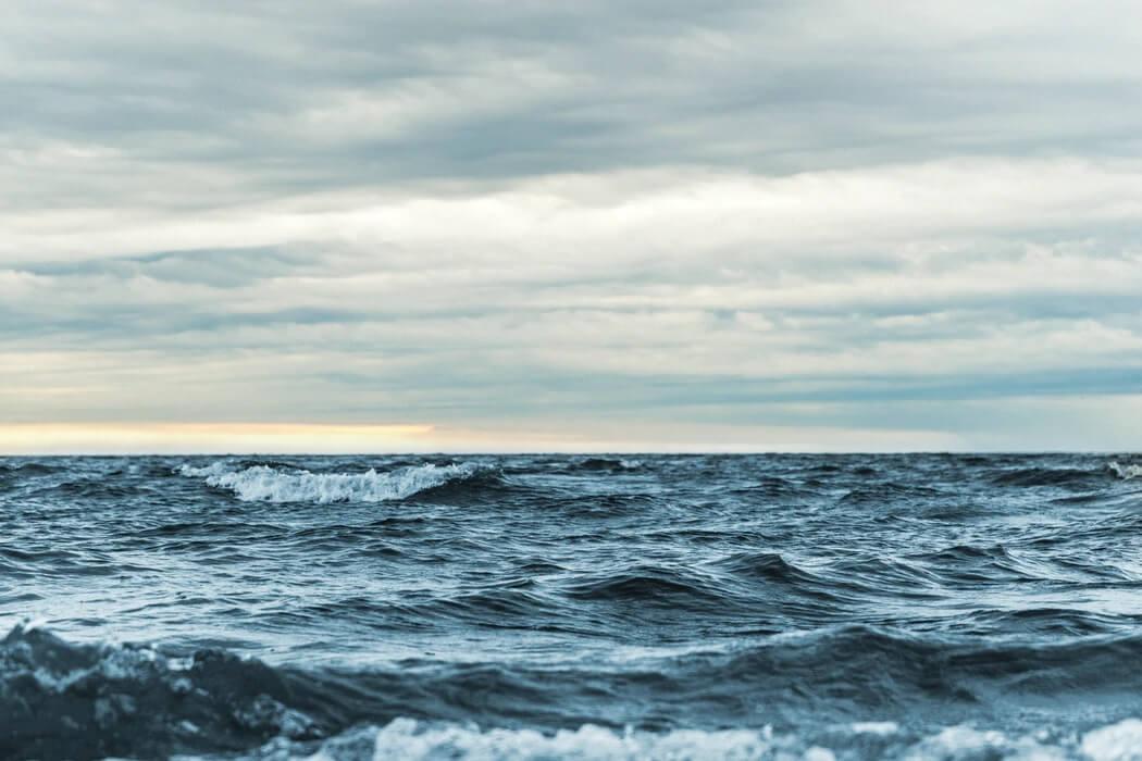 Il mare nasconde storie, libri, racconti