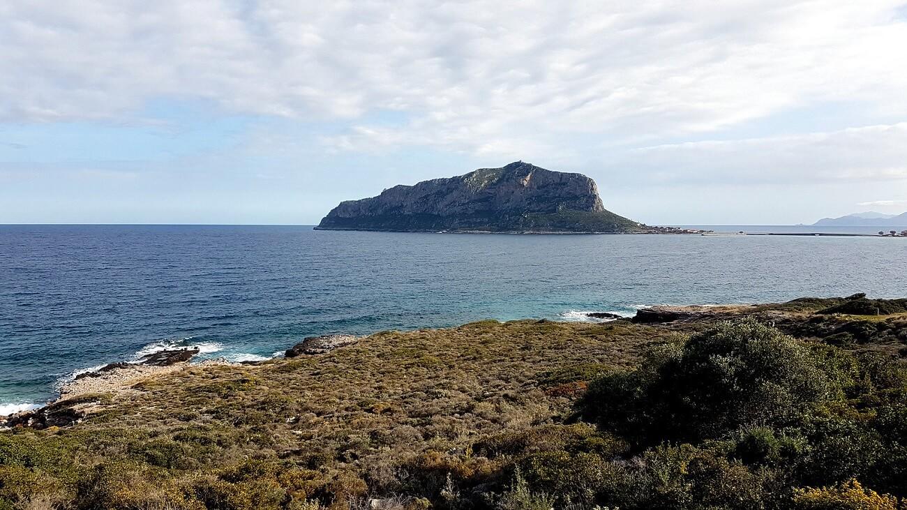 Monemvasia (lato nord) vista dalla costa