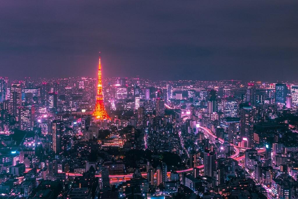 Tokyo in una afosa notte di agosto