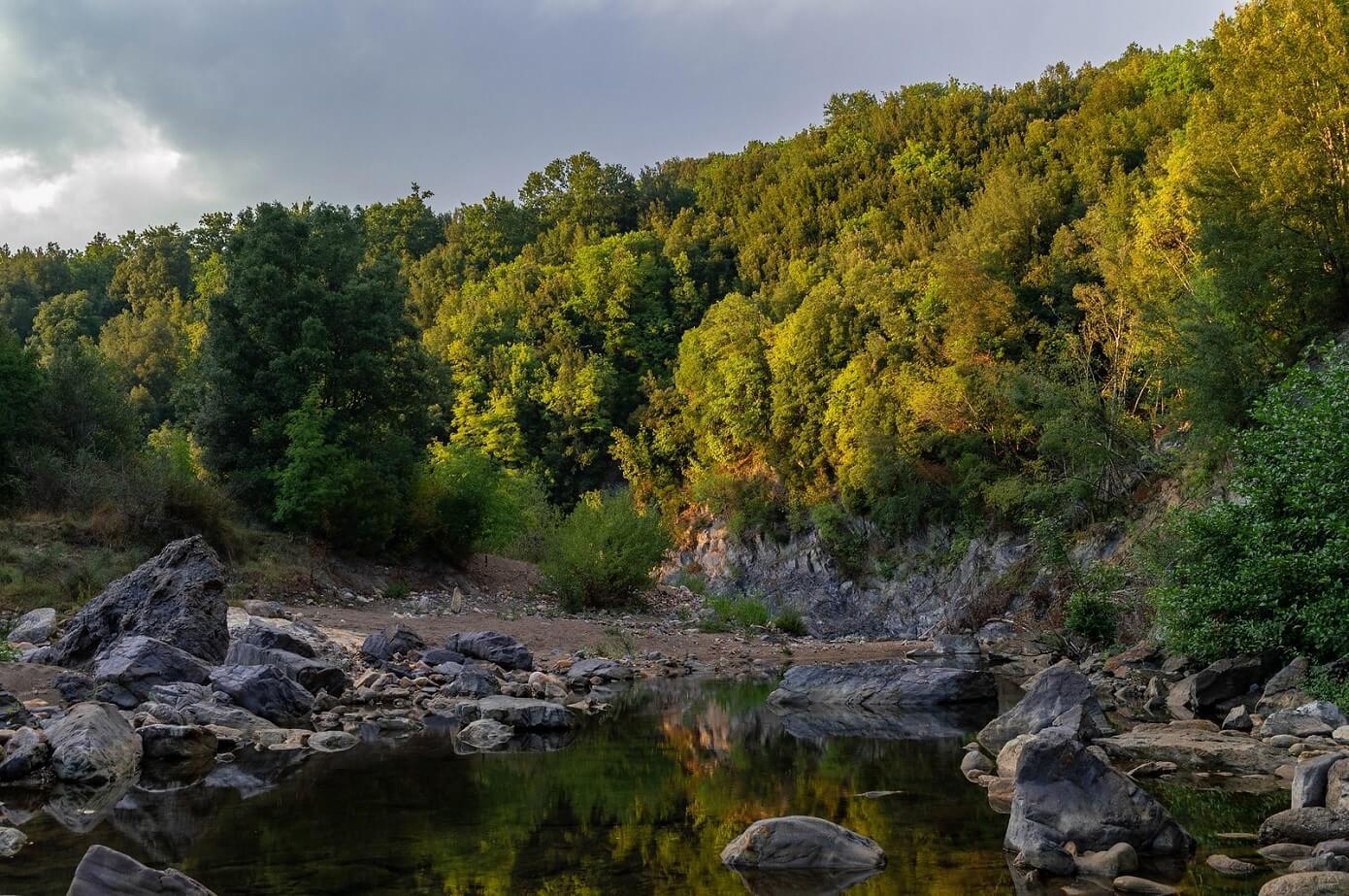 Il fiume Farma al tramonto, non distante dalla terme di Petriolo