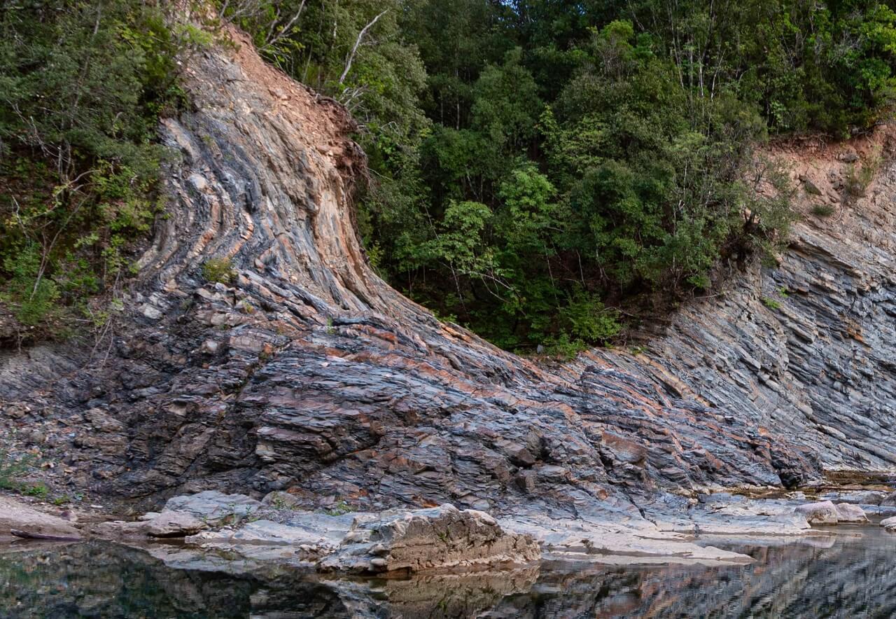 Le particolari rocce della formazione del Farma