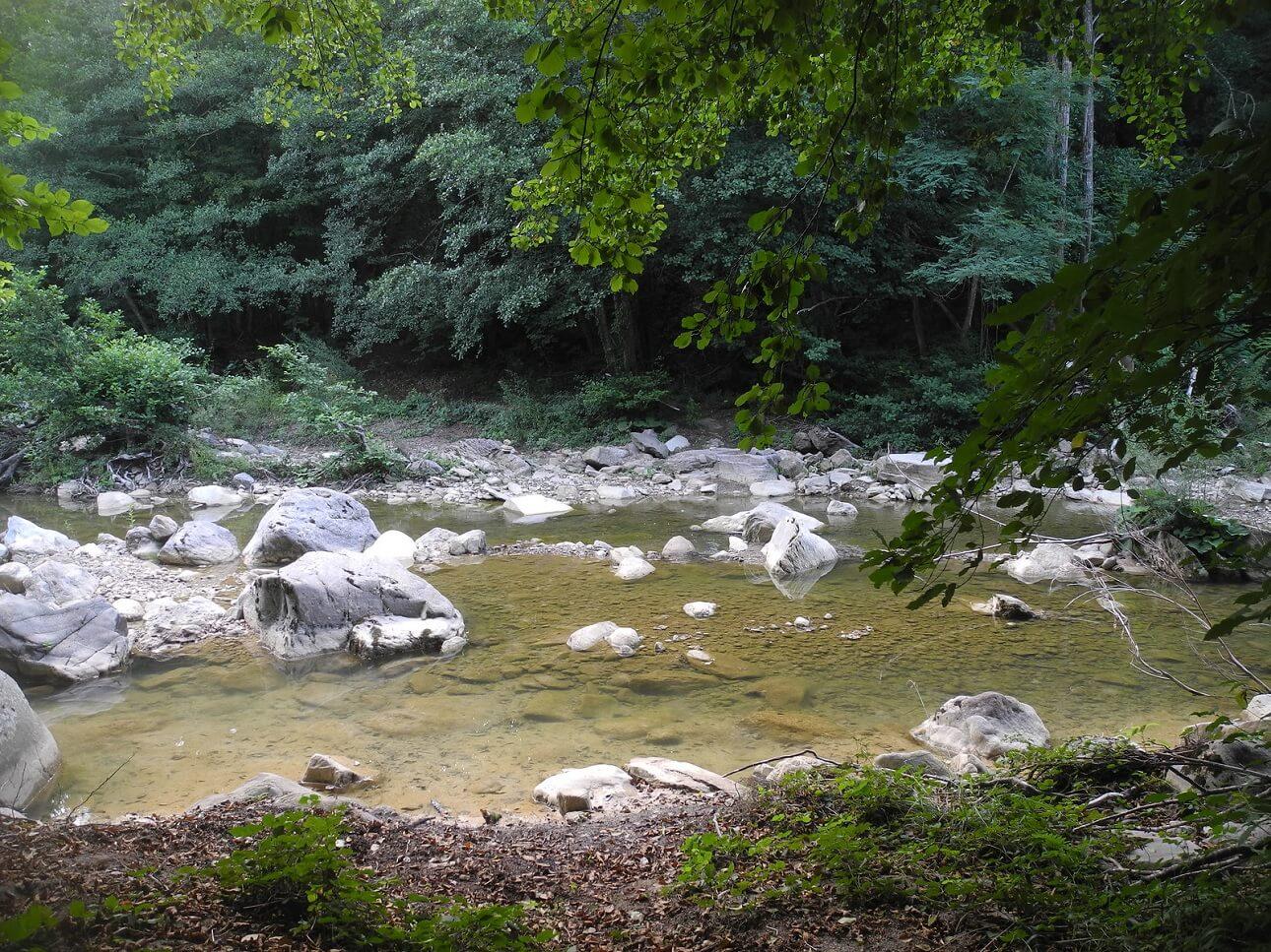 Il guado sul fiume Farma in prossimità della Ferriera