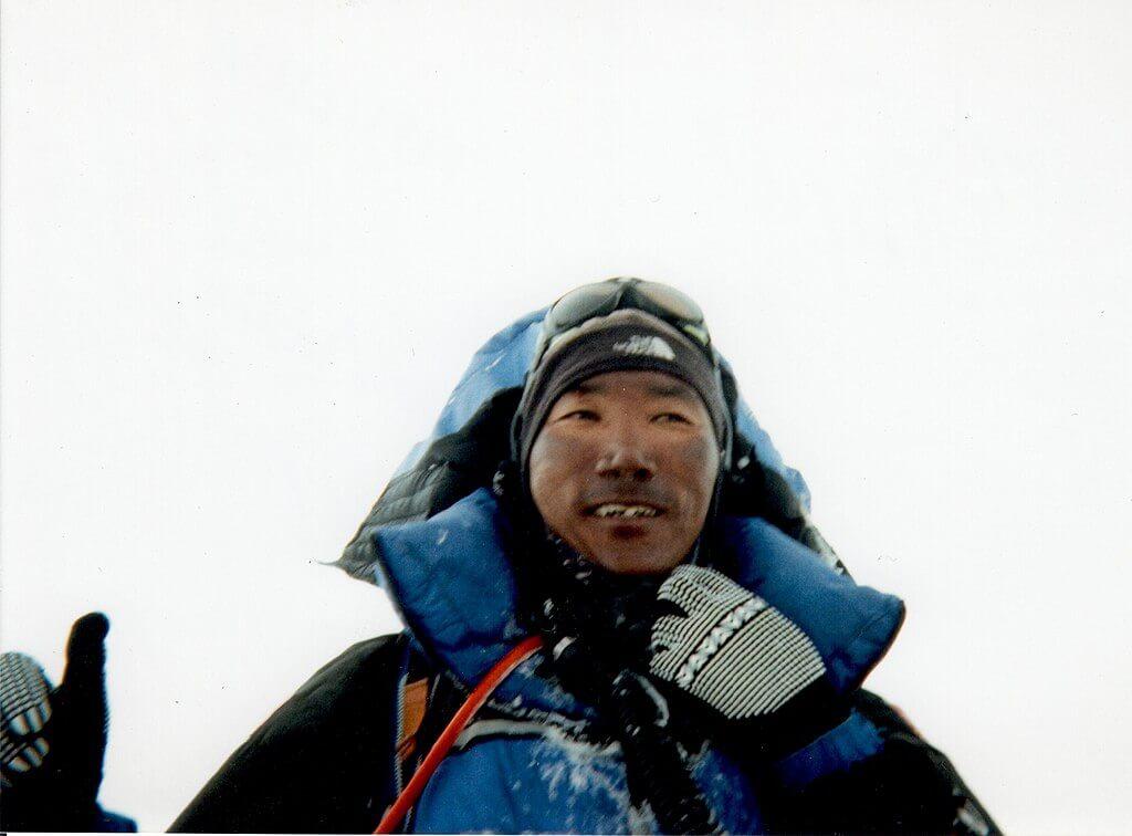 Kami Rita, lo sherpa che ha scalato l'Everest 24 volte