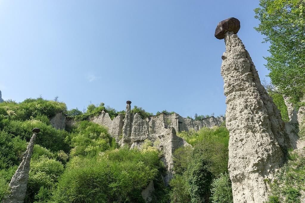 Le particolari formazioni rocciose delle Piramidi di Zone