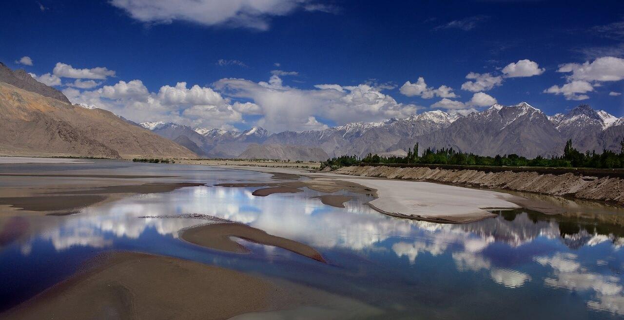 Il fiume Indo nel distretto di Skardu (Pakistan)