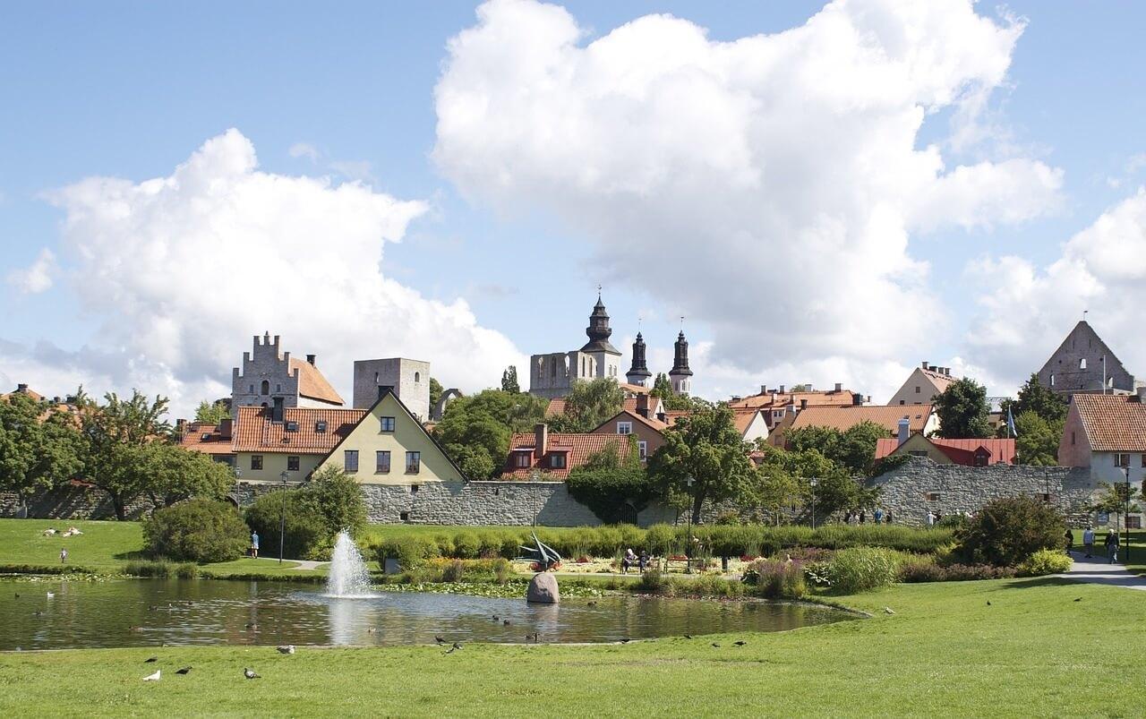 Il classico profilo di Visby (Gotland), dominato dalle guglie della cattedrale