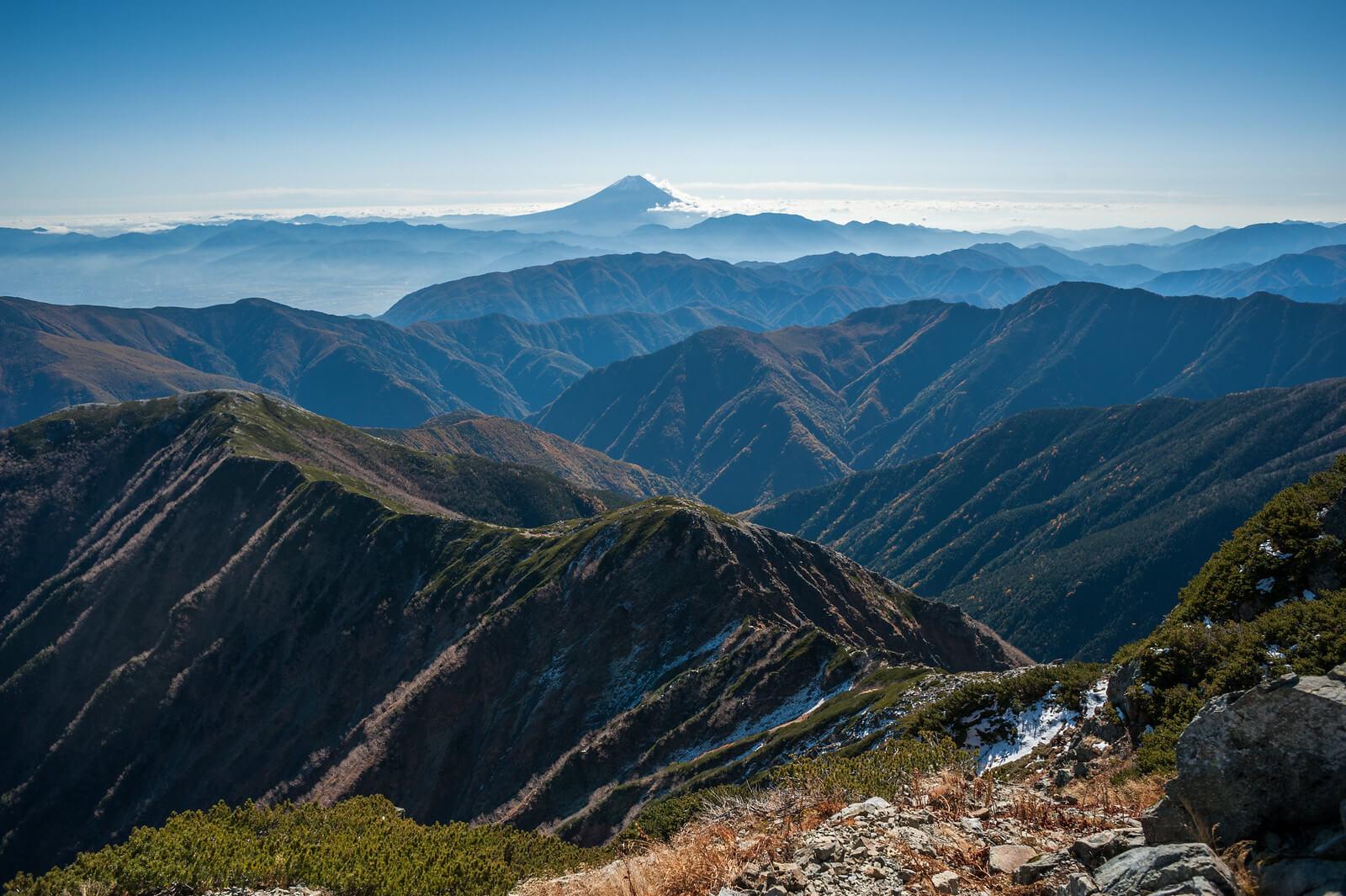 Il Fuji-san visto dalla vetta del monte Kitadake, Alpi giapponesi