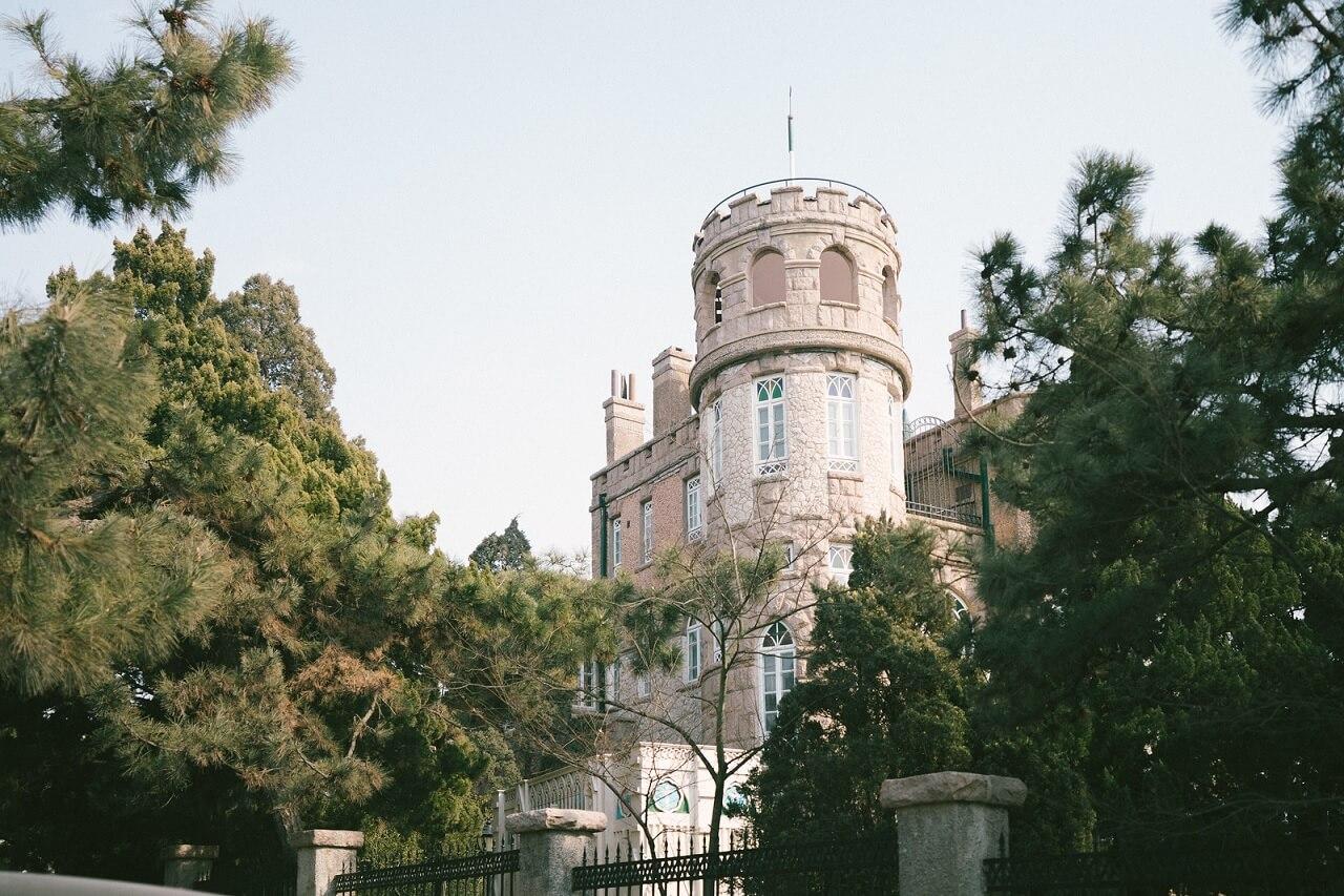 Uno degli edifici in stile europeo del quartiere storico di Badaguan (Qingdao)