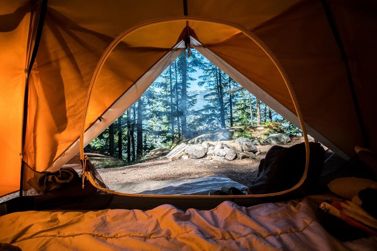 Tenda con materasso da campeggio