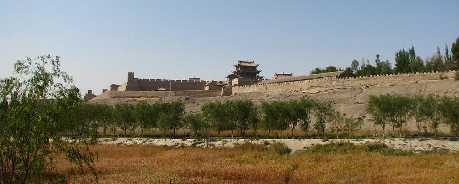 Il Forte di Jiayuguan, uno dei luoghi da visitare lungo la via della seta