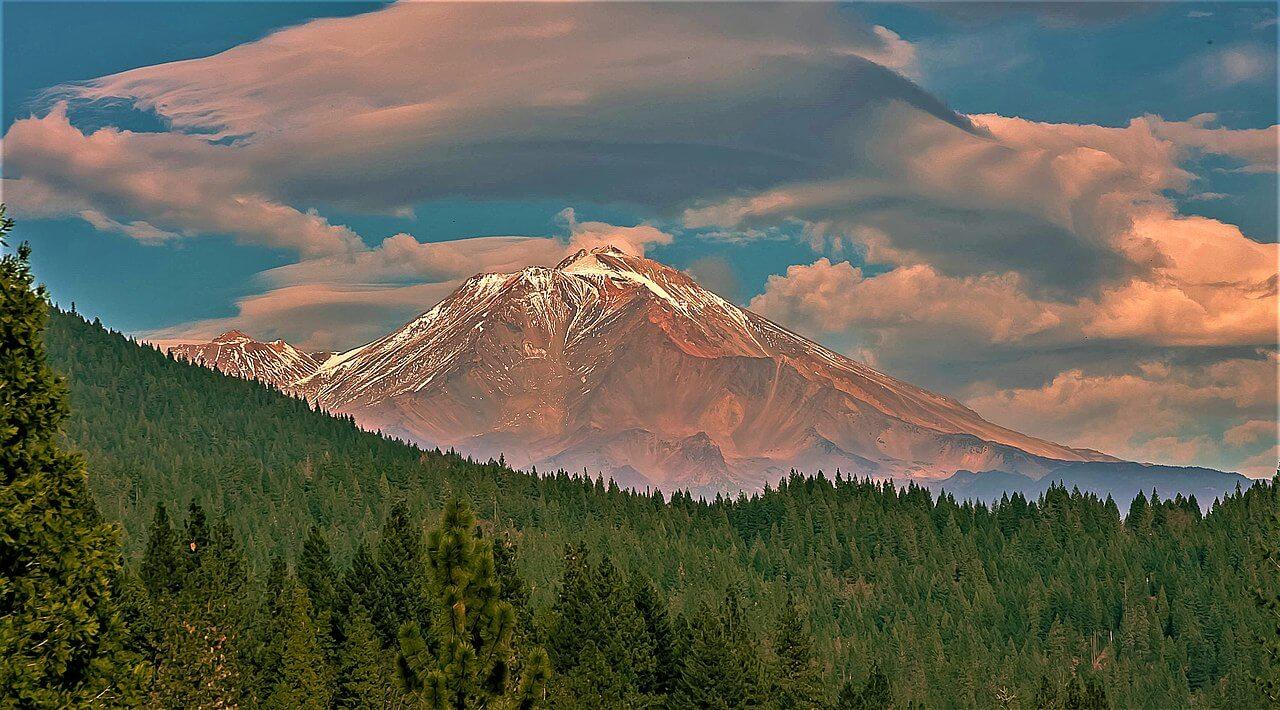 Il monte Shasta e le sue strane leggende
