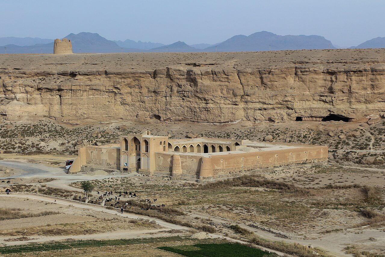 Caravanserraglio lungo l'antica via della seta (Iran)