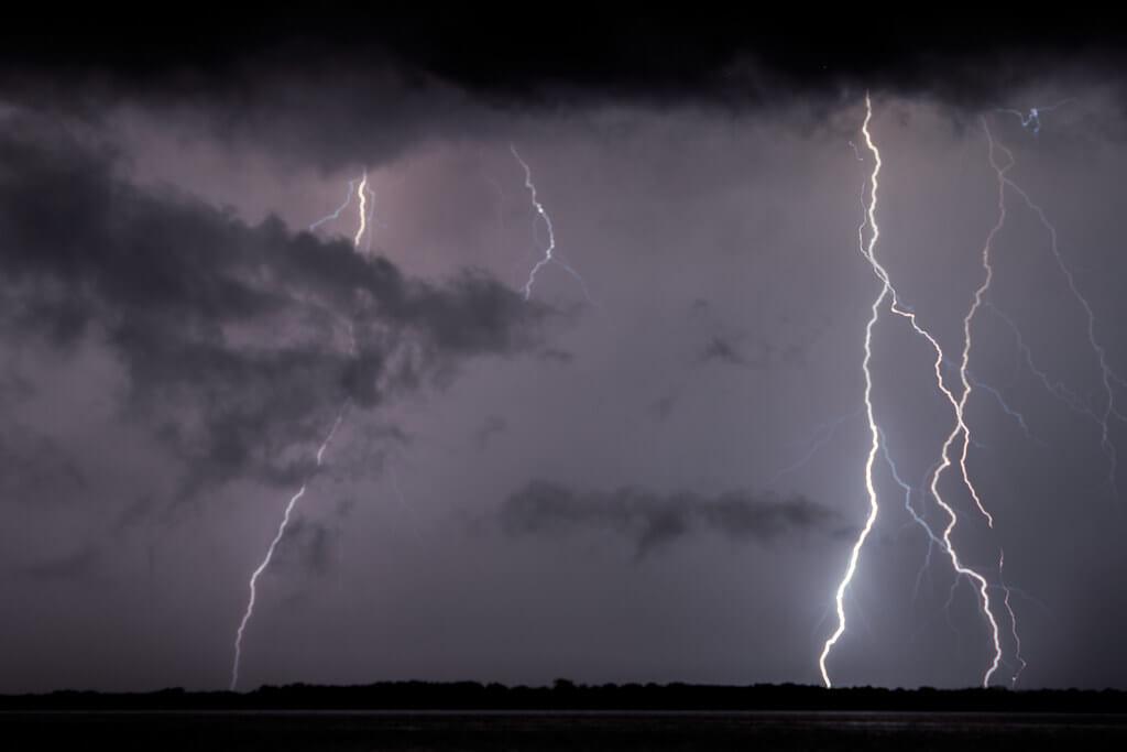 I fulmini illuminano le notti del lago Maracaibo per 140 giorni all'anno