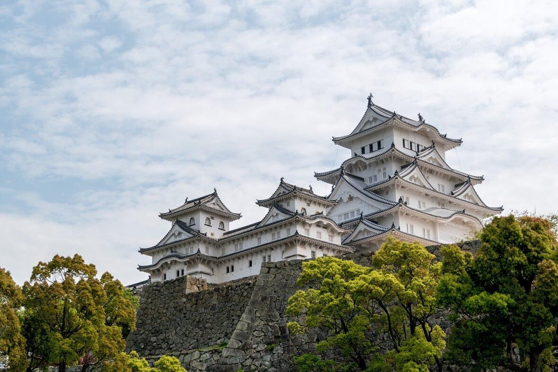 Il castello di Himeji. Come altri castelli giapponesi, sembra pronto per spiccare il volo