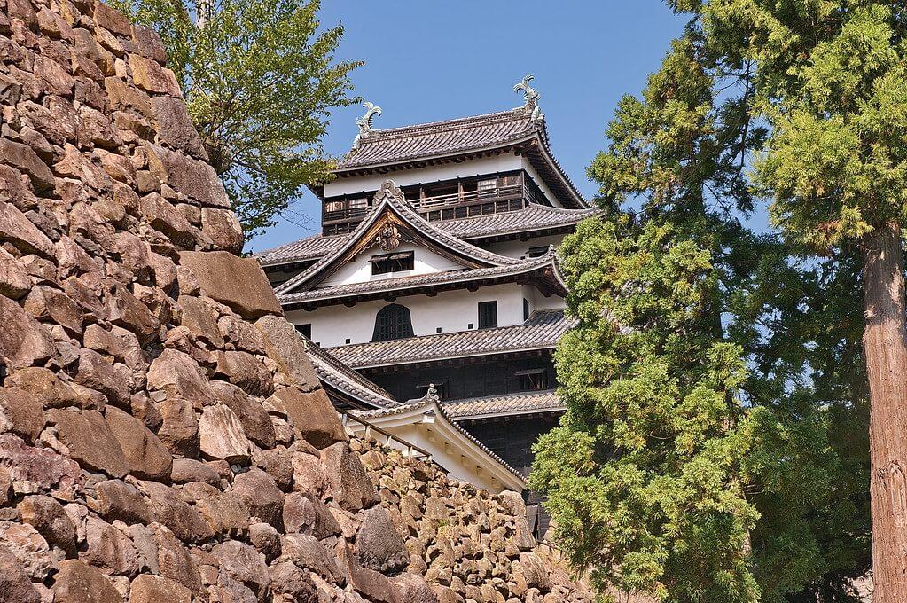 Il tenshu e le mura del castello di Matsue