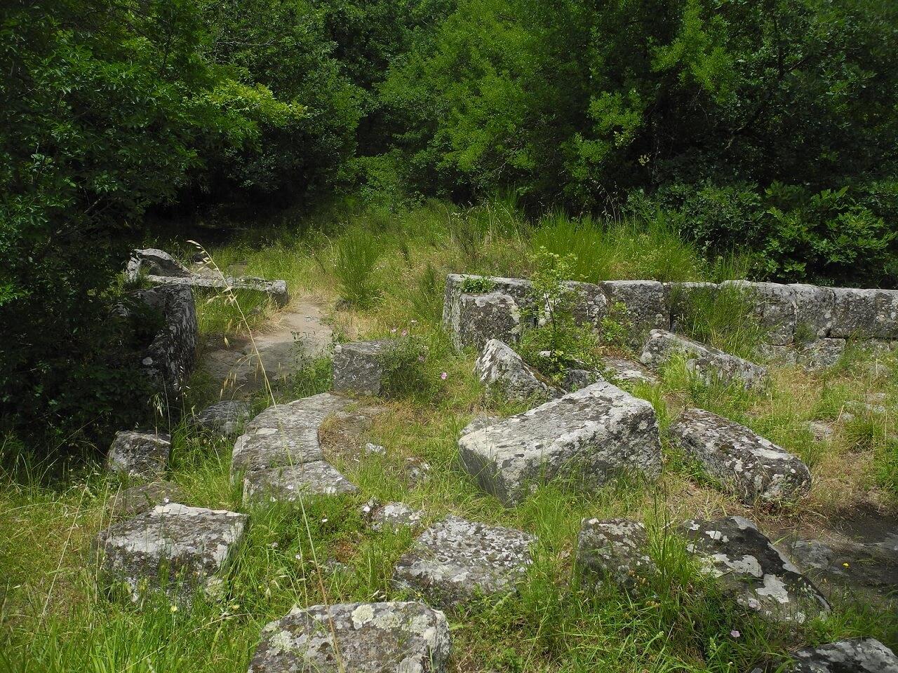 Corviano: resti della chiesa medievale