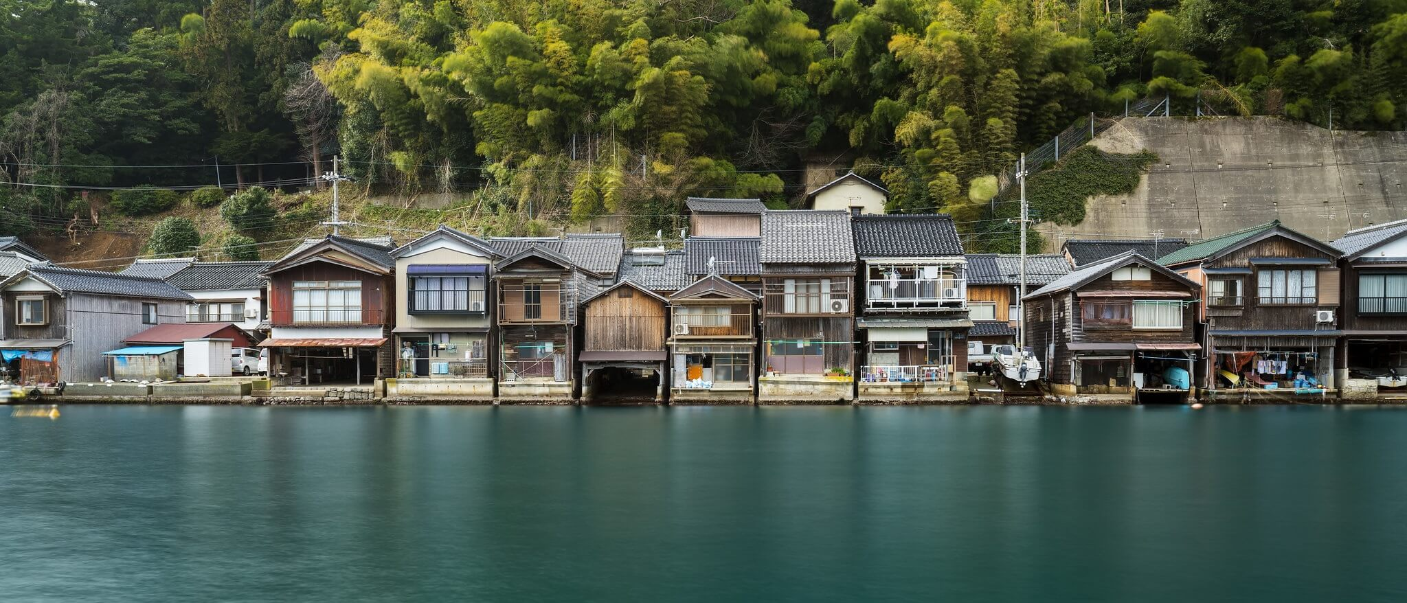 Ine, villaggio giapponese di pescatori noto per le abitazioni tradizionali chiamate funaya