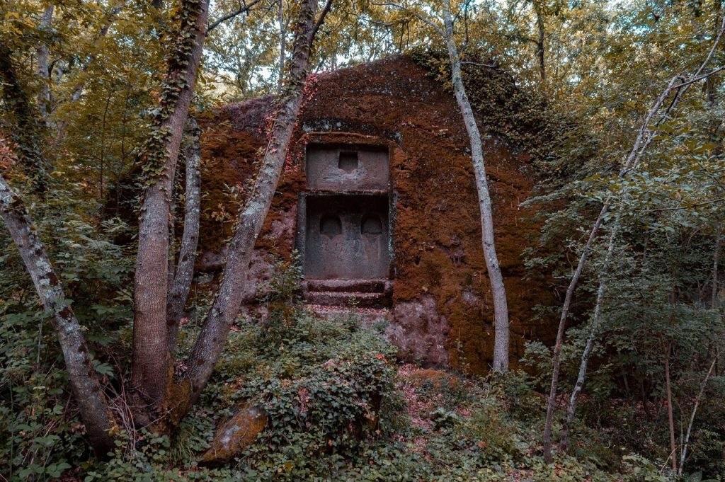 Tomba romana nel fondovalle della Selva di Malano